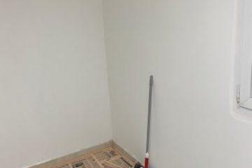 איך צובעים קיר עם רולר לבד בקלות?